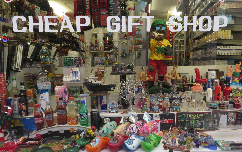 Netherlands-Amsterdam-Street-Scenes-Gift-Shop