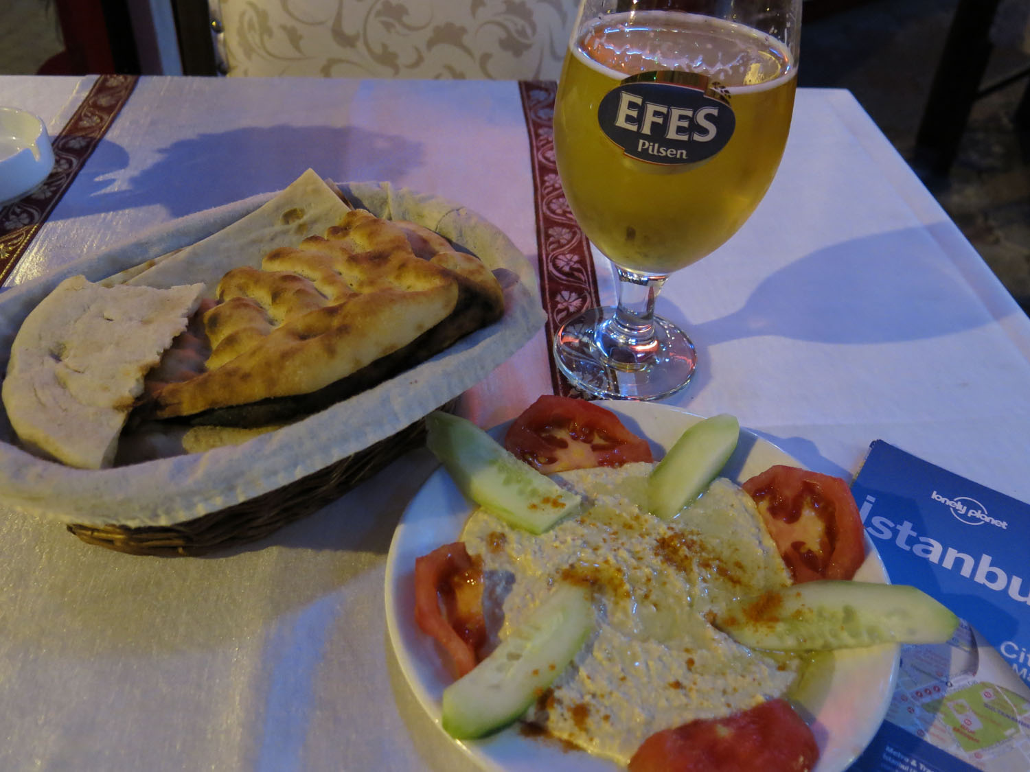 Turkey-Istanbul-Food-And-Drink-Hummus
