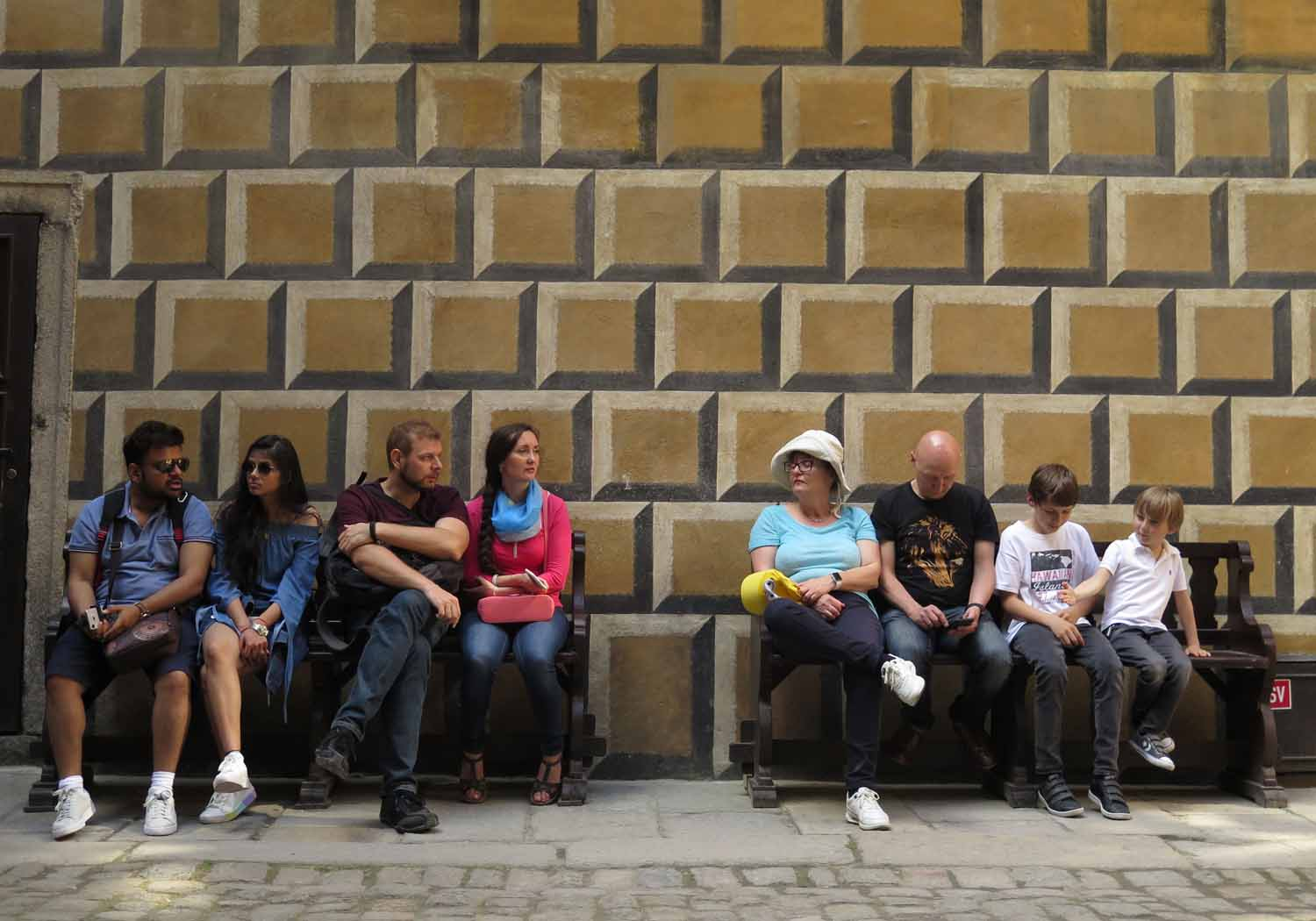 czech-republic-czesky-krumlov-tourists