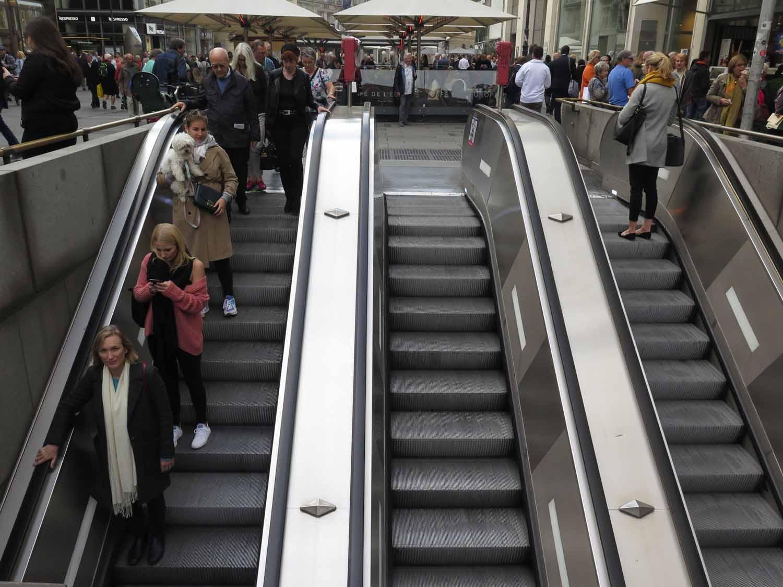 Austria-Vienna-Metro-Escalator