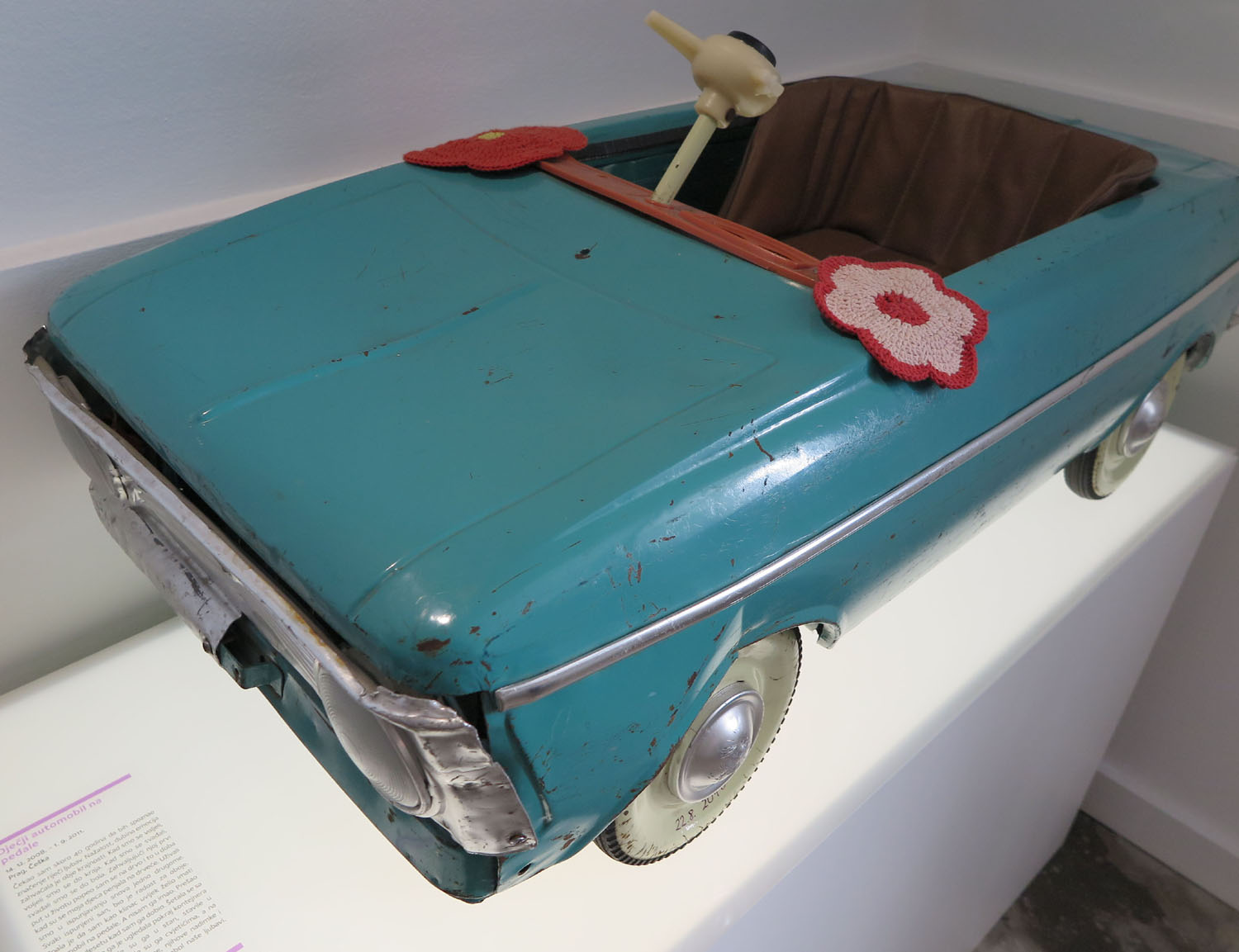 croatia-zagreb-museum-of-broken-relationships-pedal-car