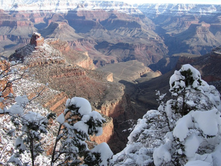 Grand-Canyon-Hike-In-Upper-Trail-Looking-North
