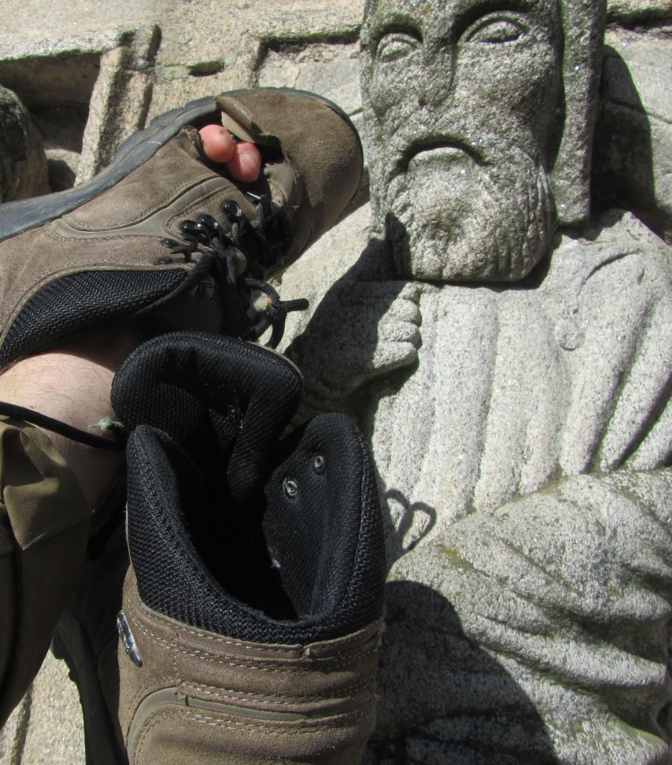 Camino-De-Santiago-Santiago-Boots