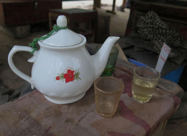 Vietnam-Cu-Chi-Tunnels-Tea-Set