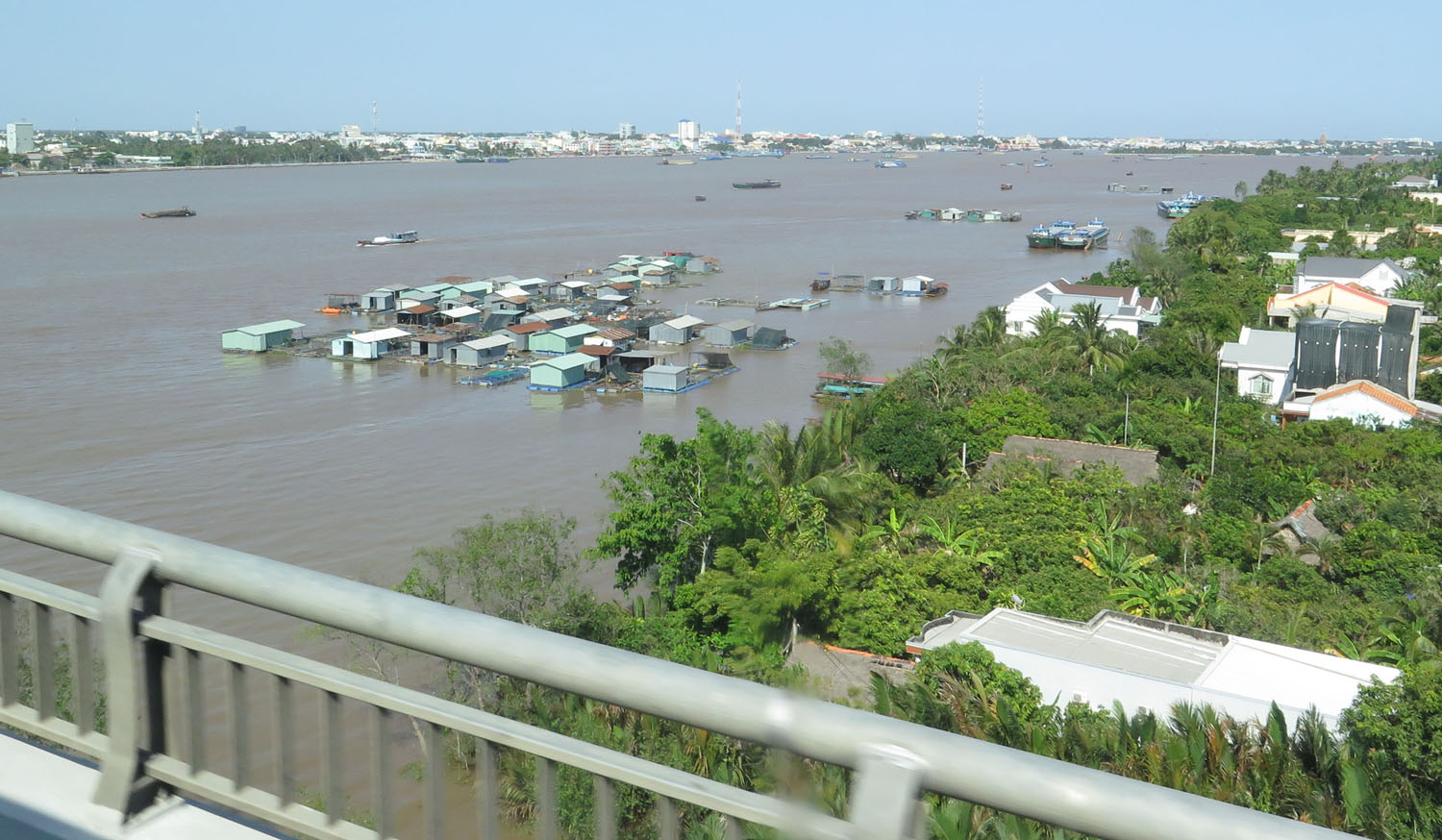 Vietnam-Mekong-Delta-Floating-Houses
