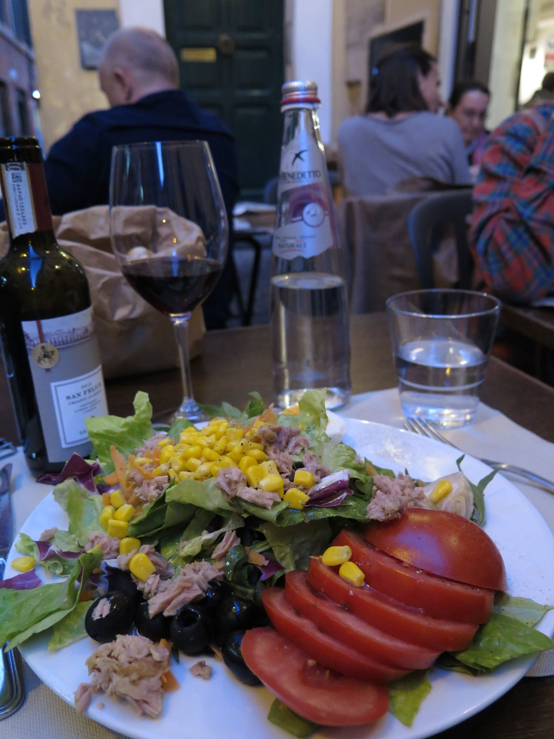 Italy-Rome-Food-And-Drink-Salad