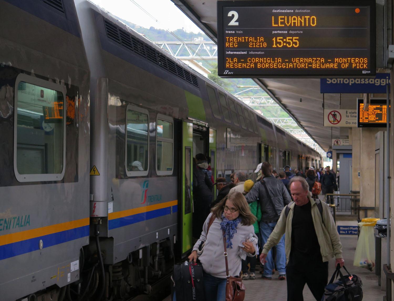 Italy-Cinque-Terre-Train