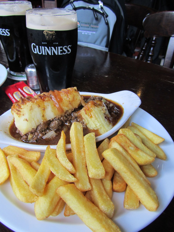 Ireland-Food-And-Drink-Shepherds-Pie-Guinness