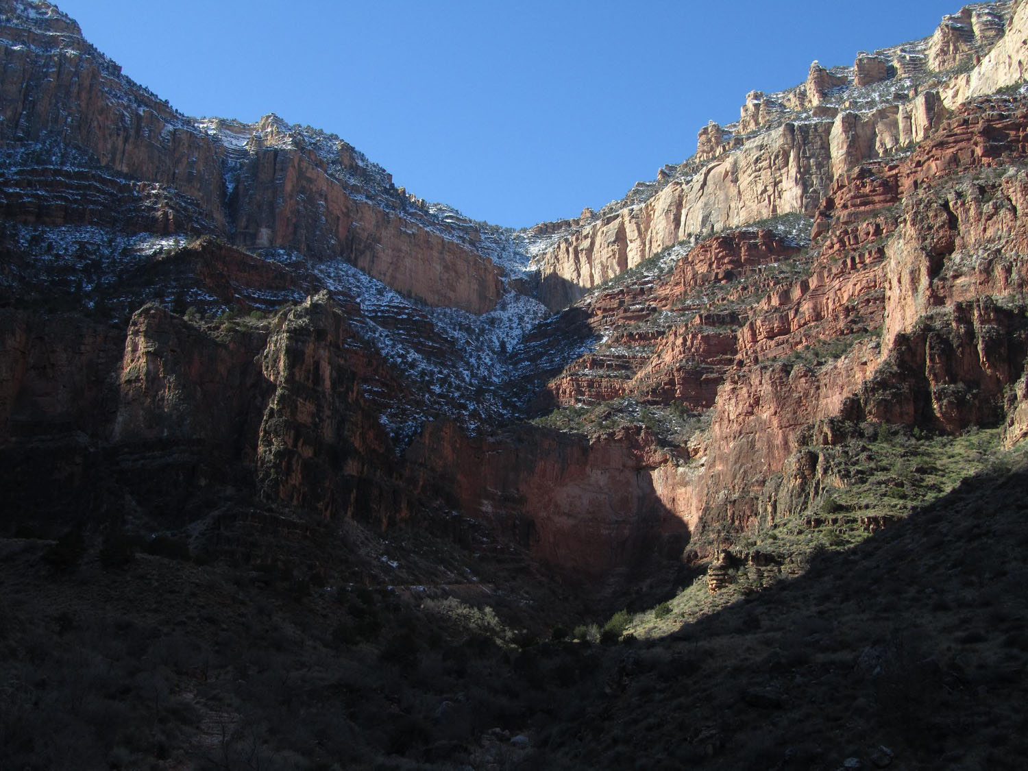 Grand-Canyon-Hike-Out-South-Rim