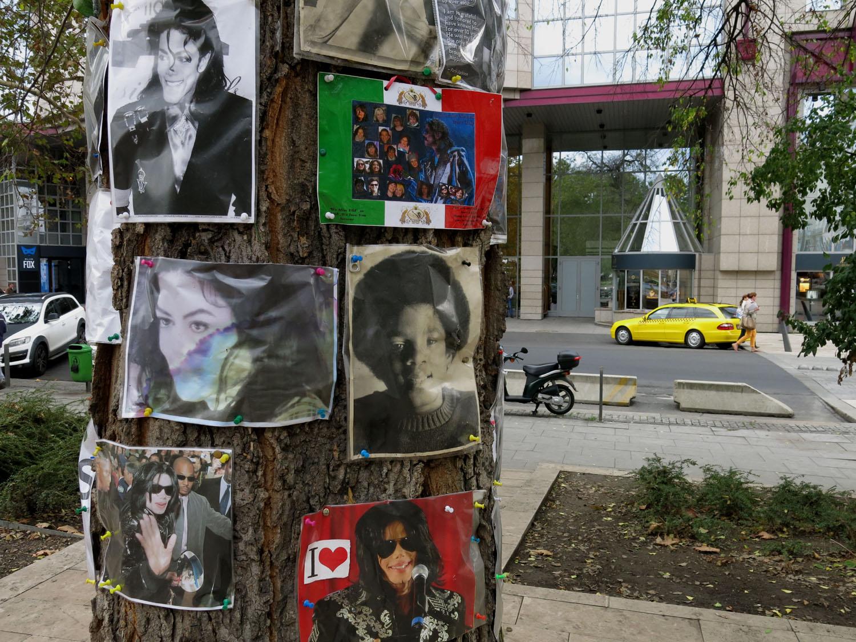 Hungary-Budapest-Street-Scenes-Michael-Jackson