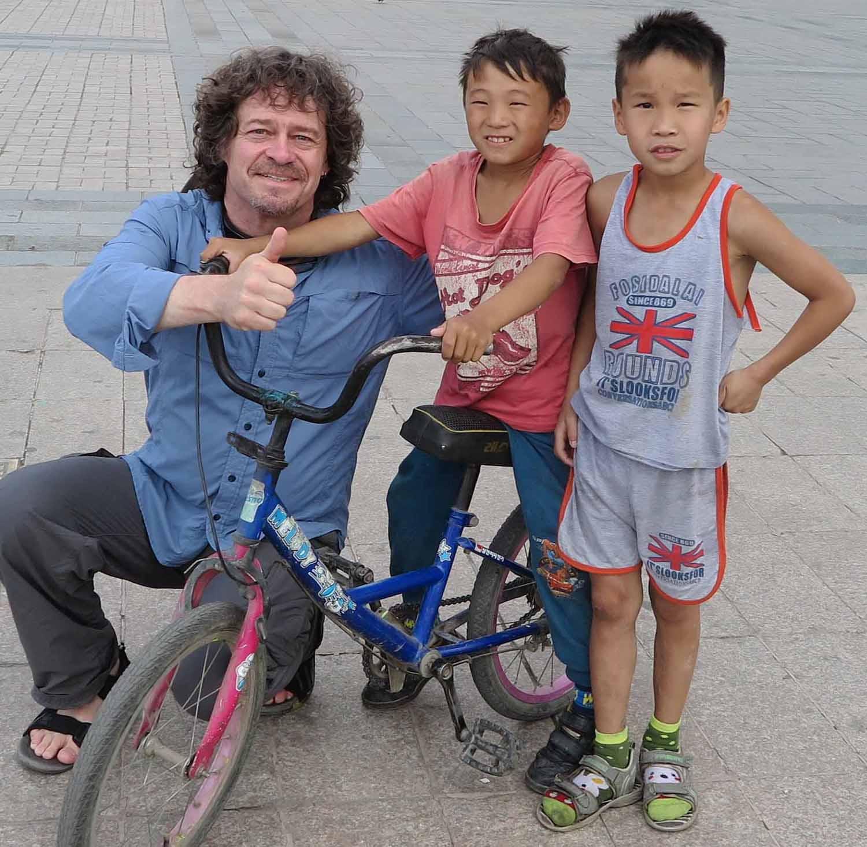 Mongolia-Ulanbator-Street-Scenes-Curious-Boys