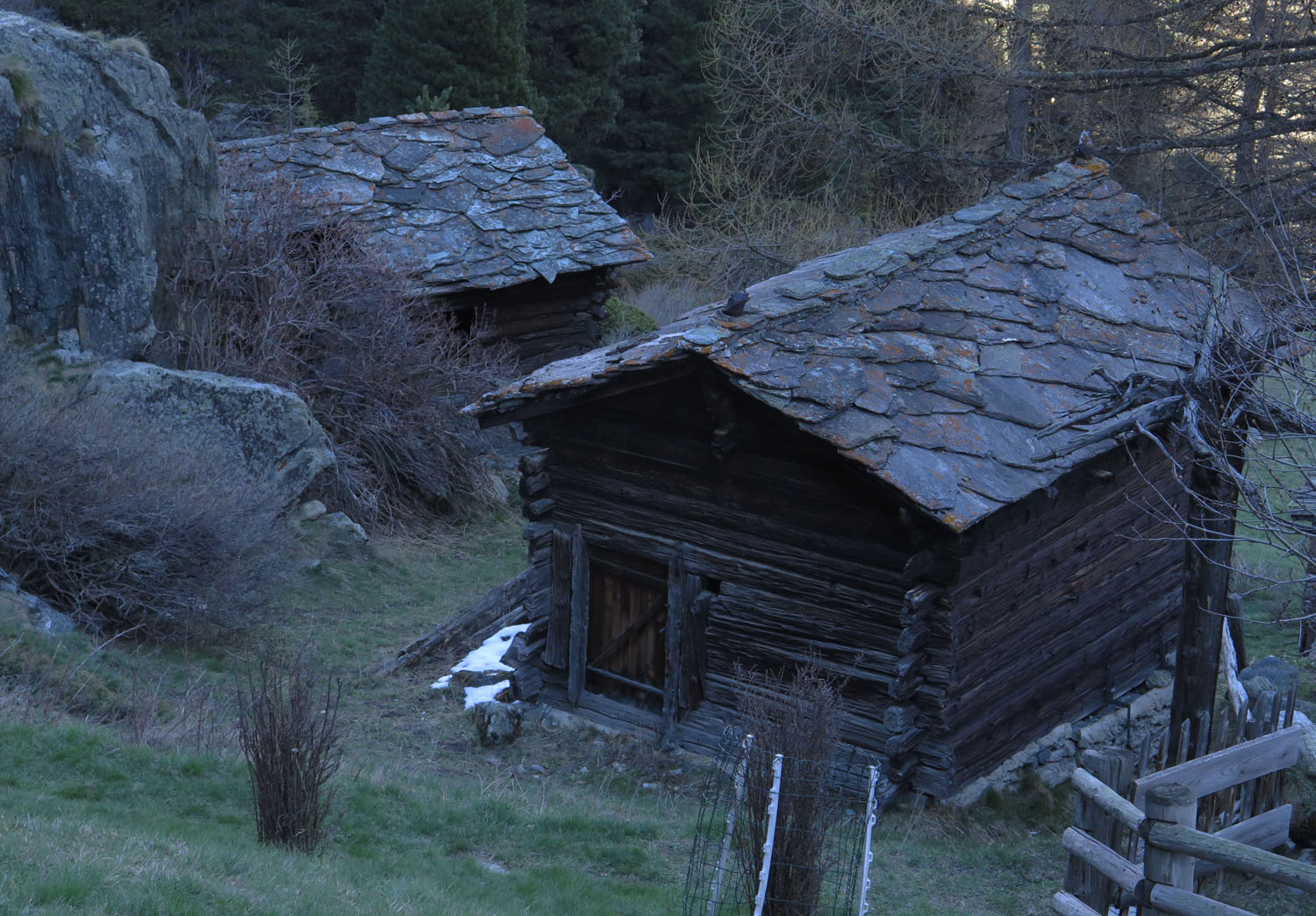 Switzerland-Zermatt-Foothills-Houses