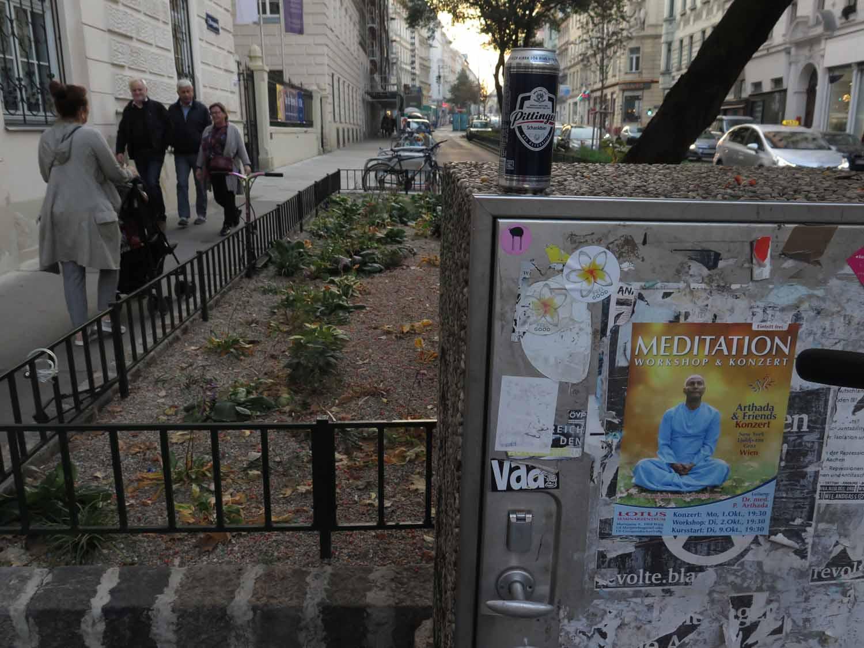 Austria-Vienna-Street-Scenes-Beer-Can-Meditation