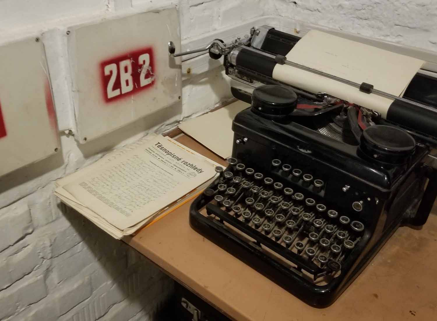 Czech-Republic-Brno-10-Z-Bunker-Typewriter