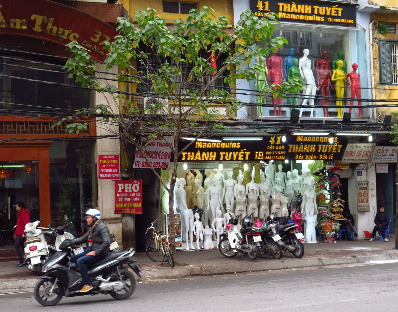 Vietnam-Hanoi-Street-Scenes-Mannequins
