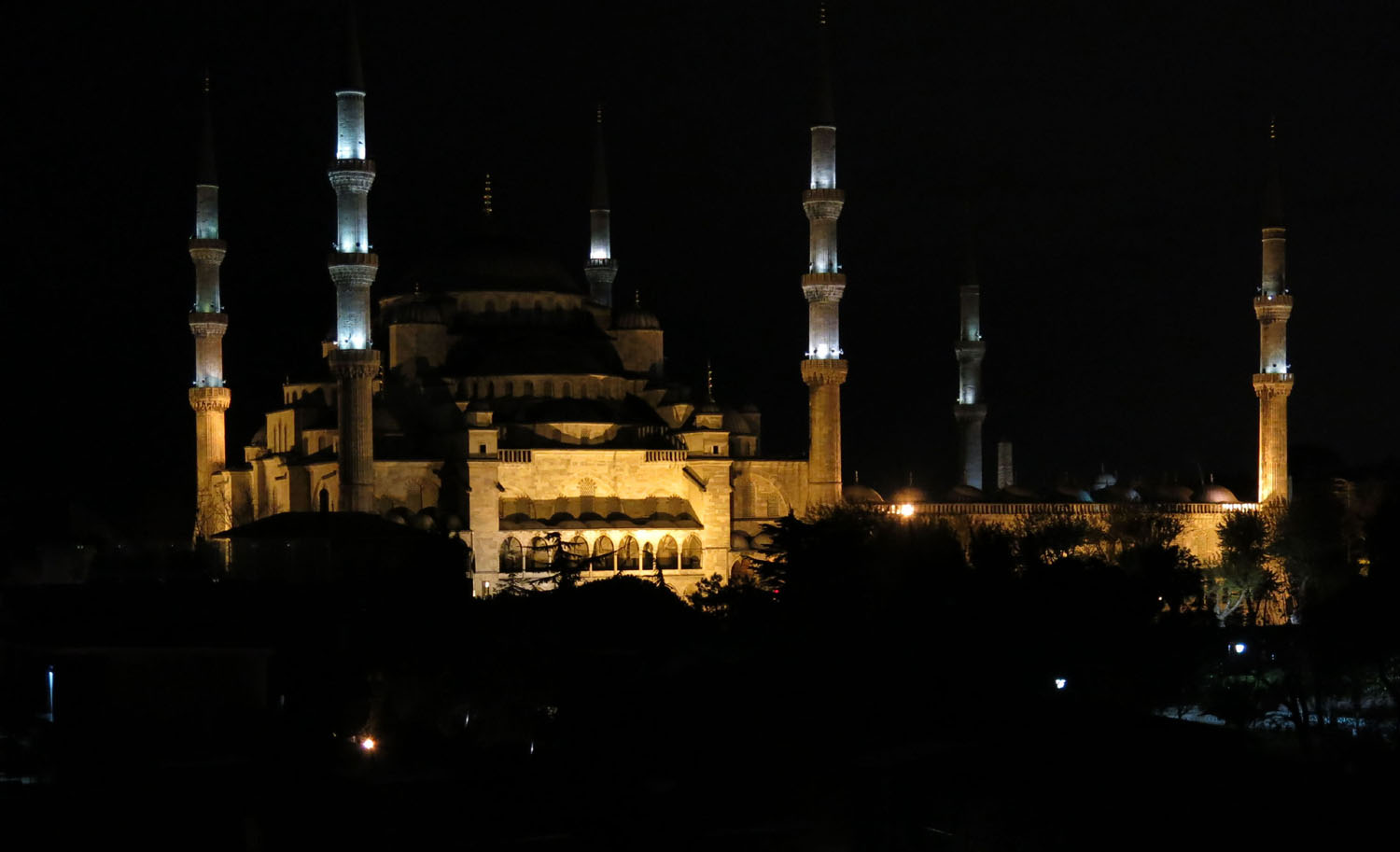 Turkey-Istanbul-Blue-Mosque-Night