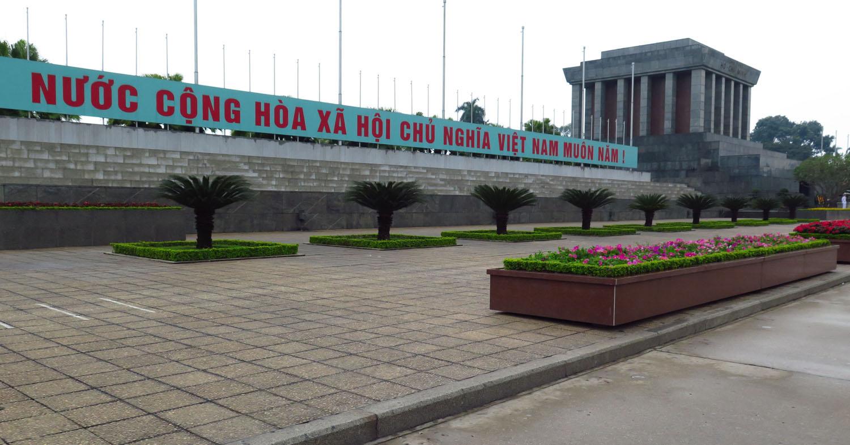 Vietnam-Hanoi-Ho-Chi-Minh-Mausoleum