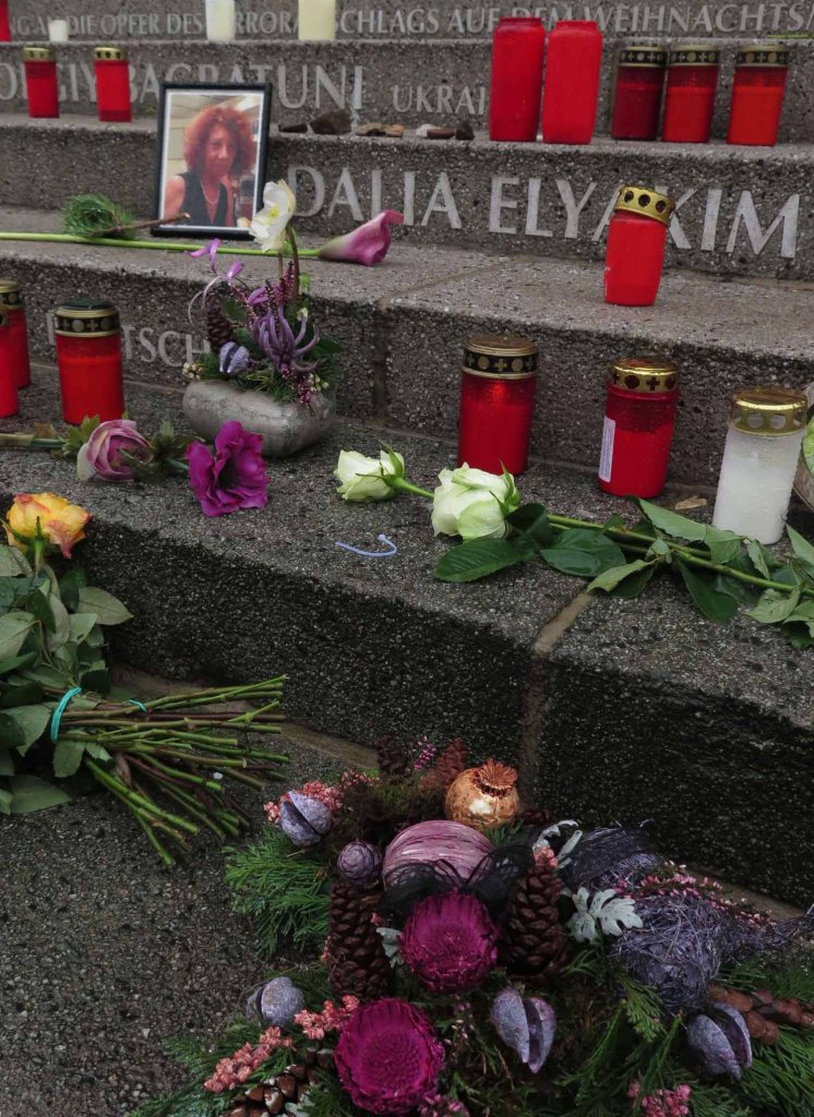 germany-berlin-christmas-market-terror-attack-memorial