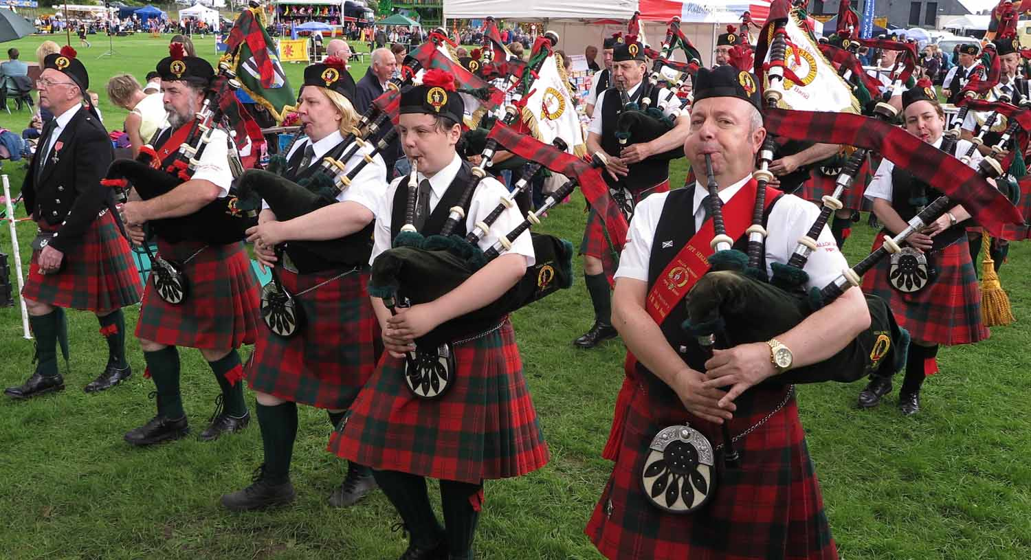 Scotland-Highlands-Highland-Games-Alva-Pipe-Band