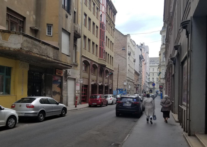 Hungary-Budapest-Street-Scenes-Ladies
