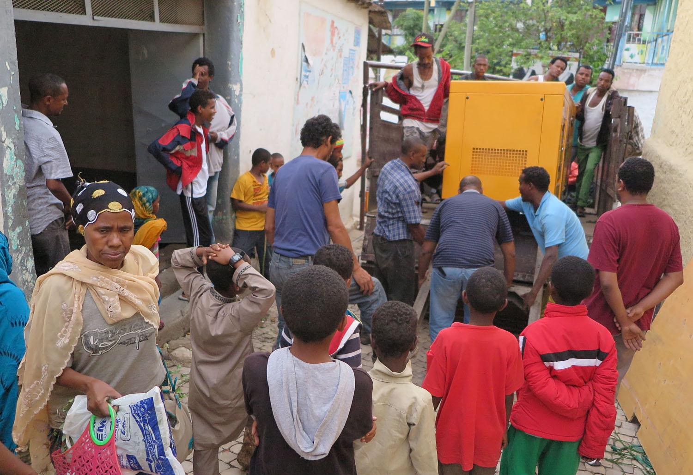 Ethiopia-Harar-Street-Scenes-Heavy-Load