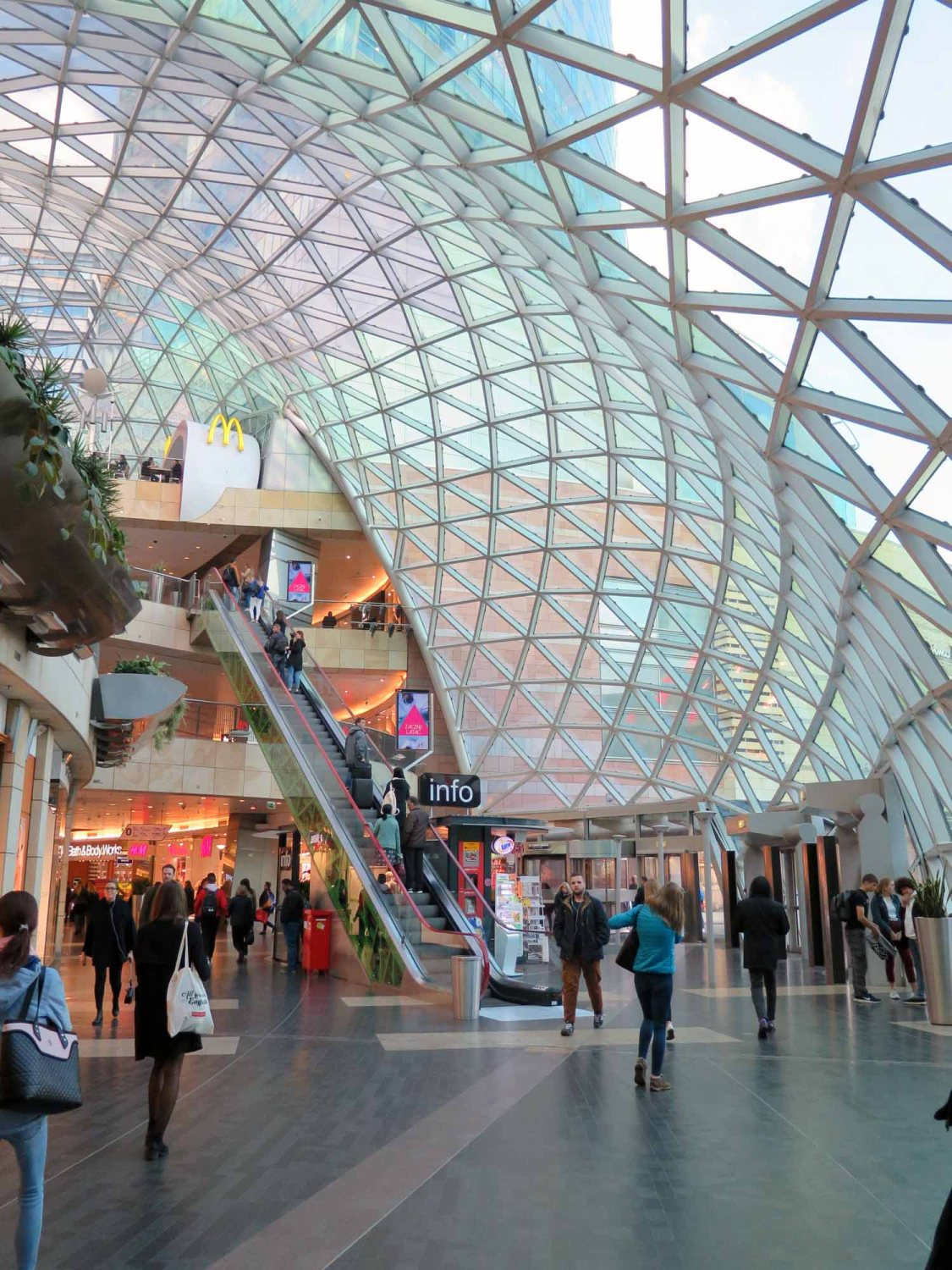 Poland-Warsaw-Shopping-Mall