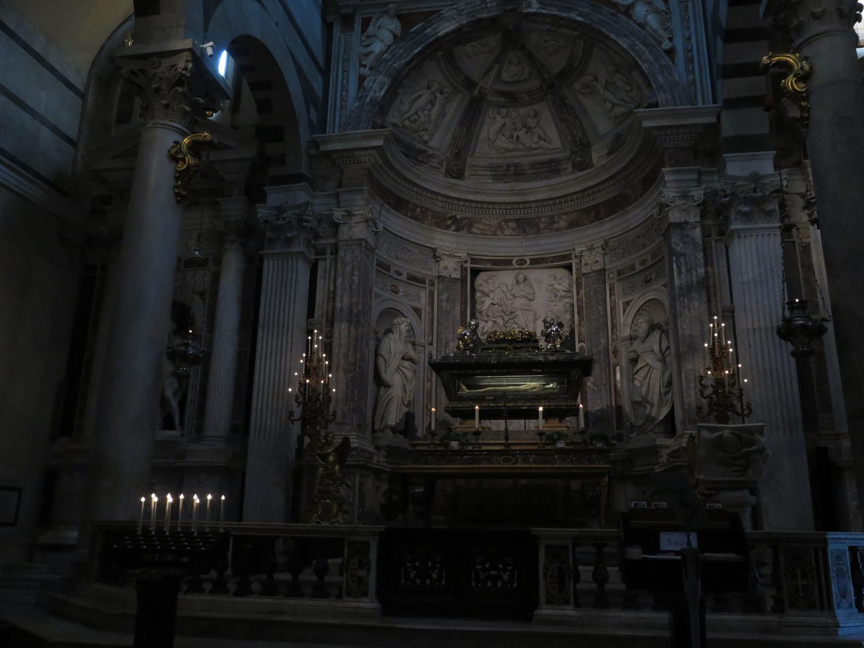 Italy-Pisa-Duomo-Chapel