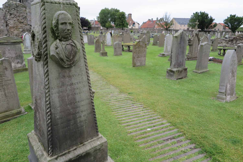 Scotland-Lowlands-Saint-Andrews-Cemetery-Allan-Robertson