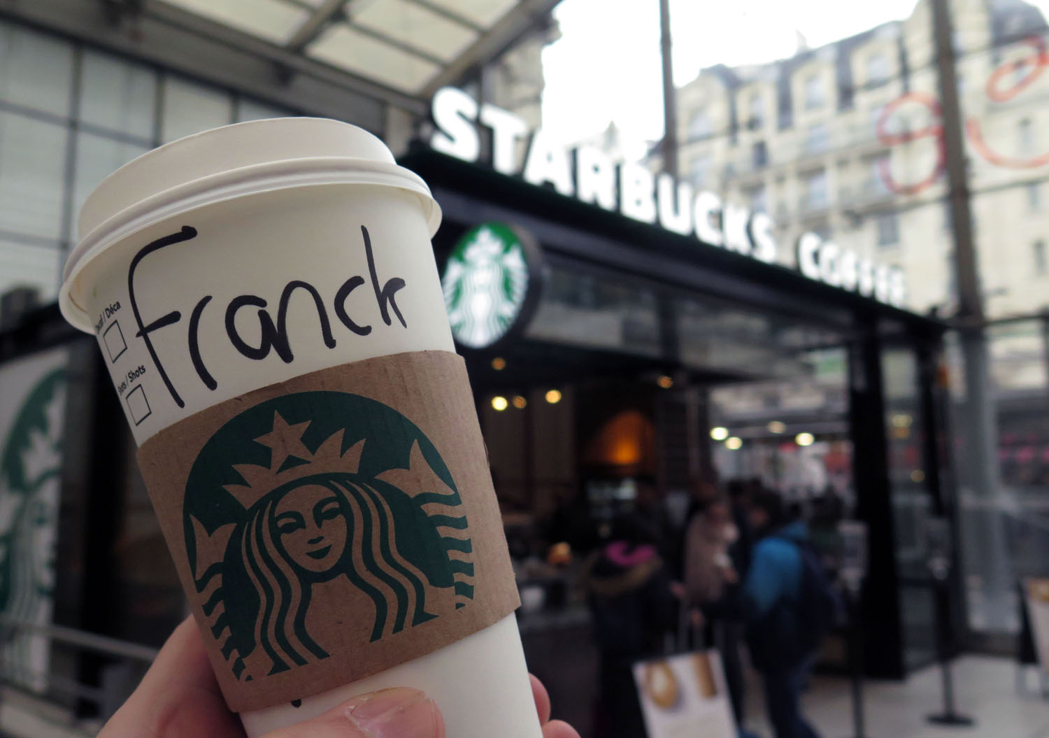 France-Paris-Starbucks