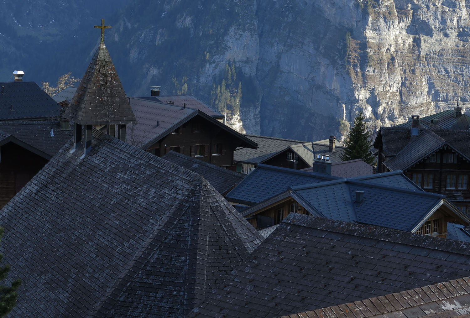 Switzerland-Bernese-Oberland-Murren-Roofs