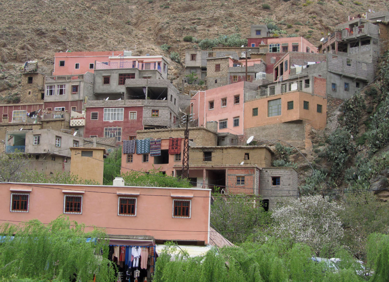 Morocco-Atlas-Mountains-Houses