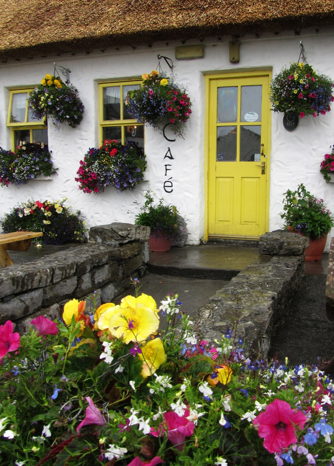 Ireland-Sights-And-Scenery-Aran-Islands-Inishmore-Cafe-Garden