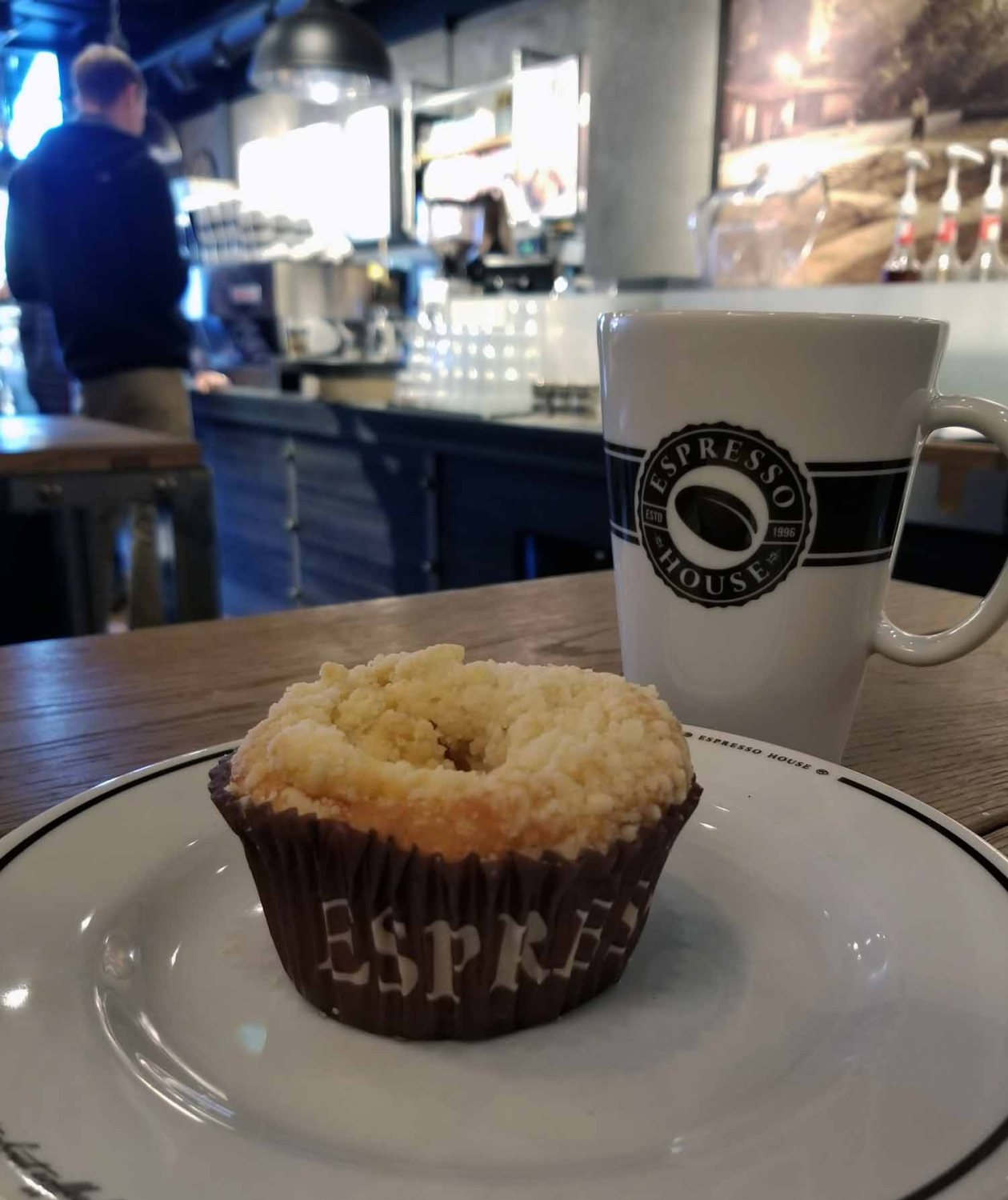 Finland-Helsinki-Coffee-And-Cake