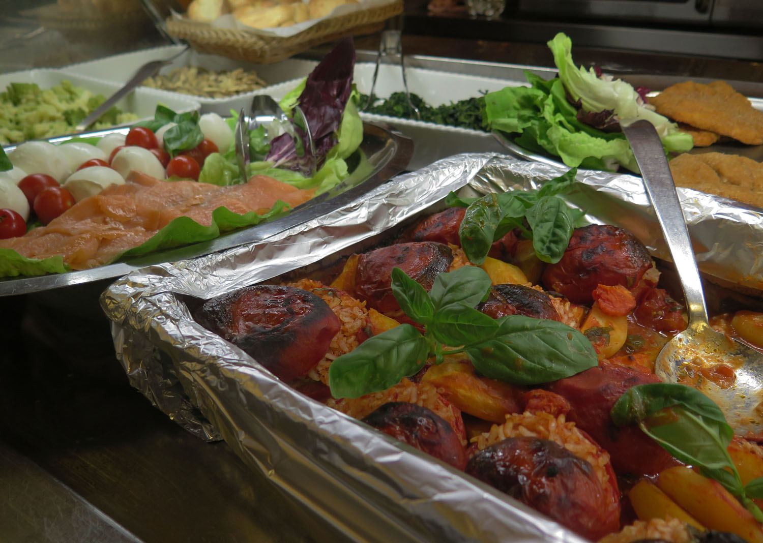 Italy-Rome-Food-And-Drink-Stuffed-Tomatoes