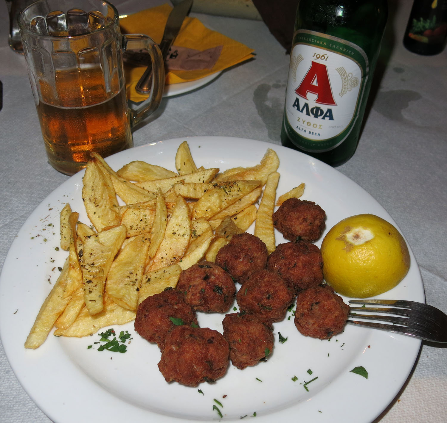 Greece-Food-And-Drink-Meatballs