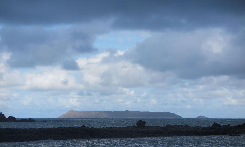 Ecuador-Galapagos-Scenery-Island-Caldera