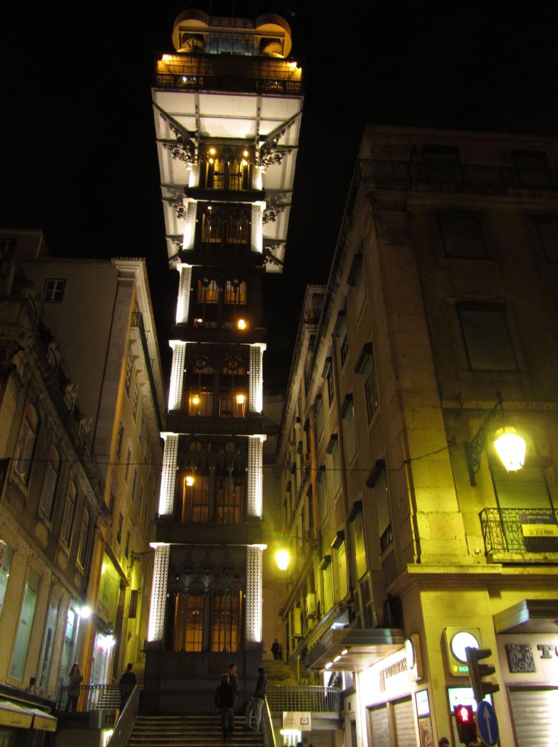 Portugal-Lisbon-Elevator
