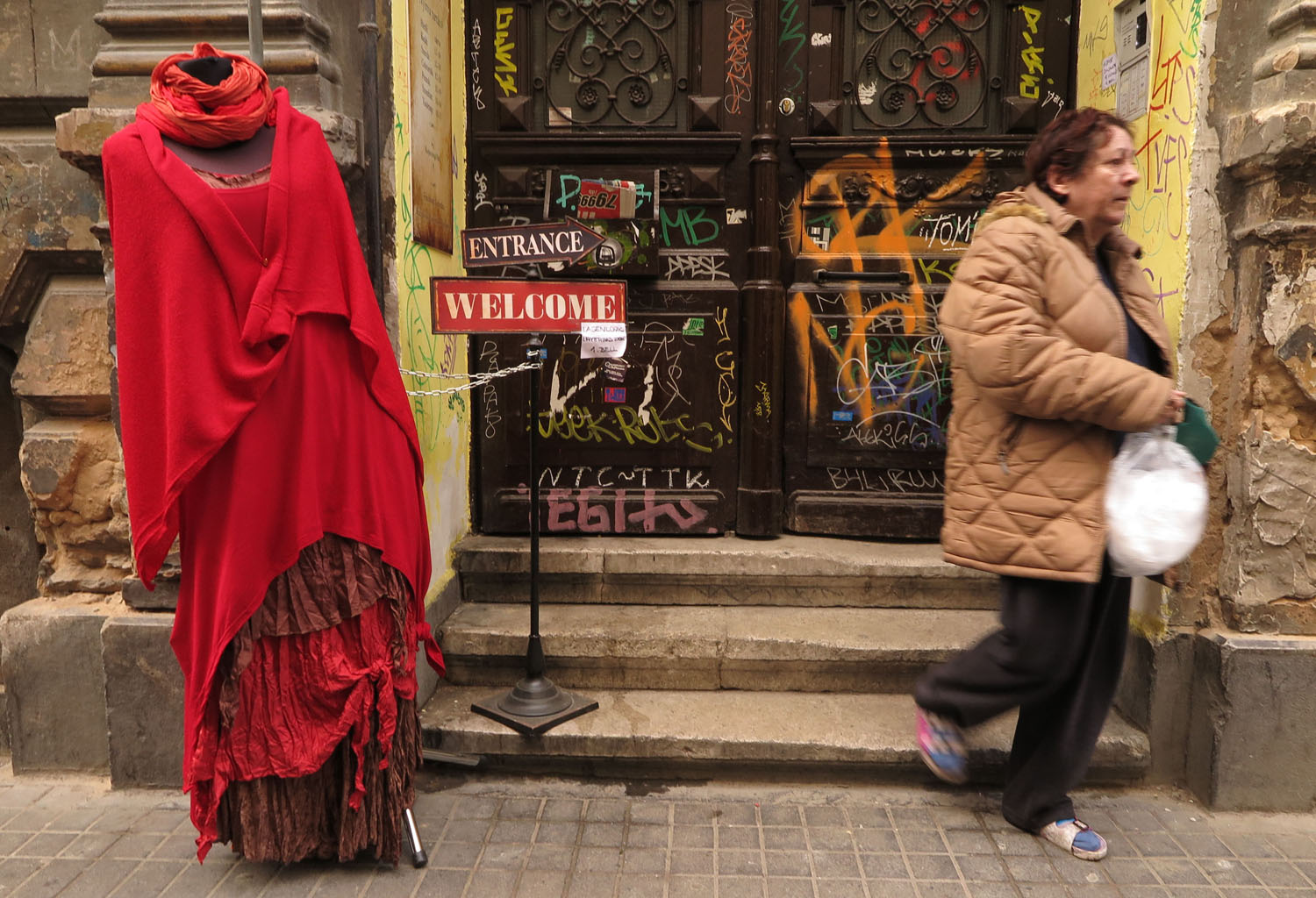 Hungary-Budapest-Street-Scenes-Dress-Shop