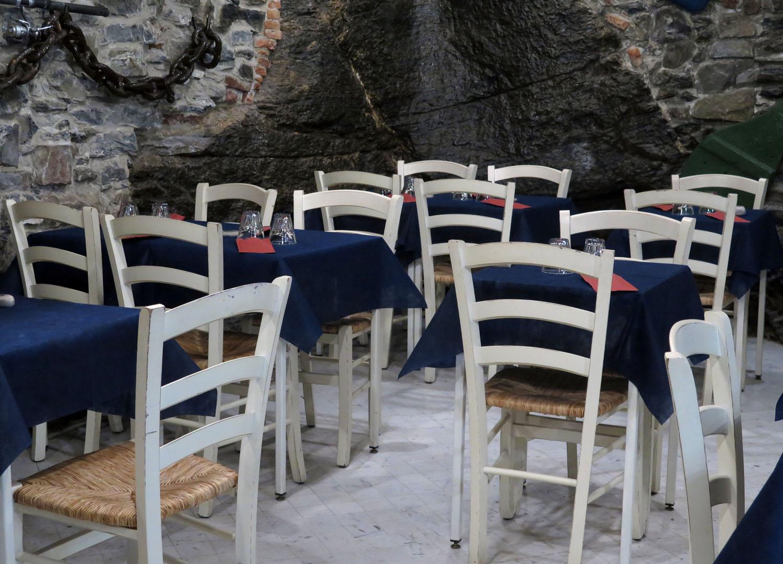Italy-Cinque-Terre-Street-Scenes-Empty-Tables