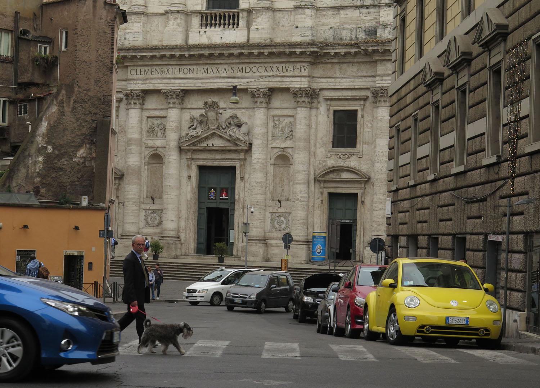 Italy-Rome-Street-Scenes-Dog