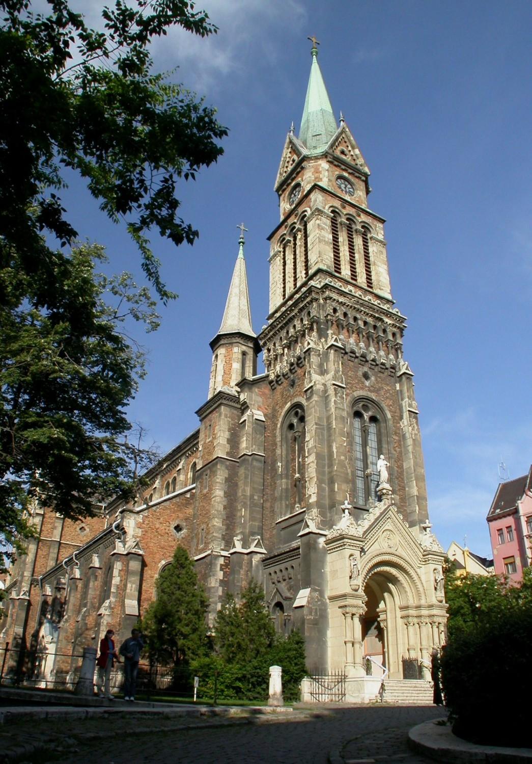 Hungary-Budapest-Street-Scenes-Church