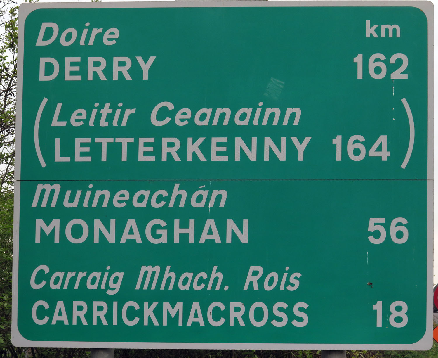 Northern-Ireland-Derry-Londonderry-Road-Sign-In-Republic-Of-Ireland