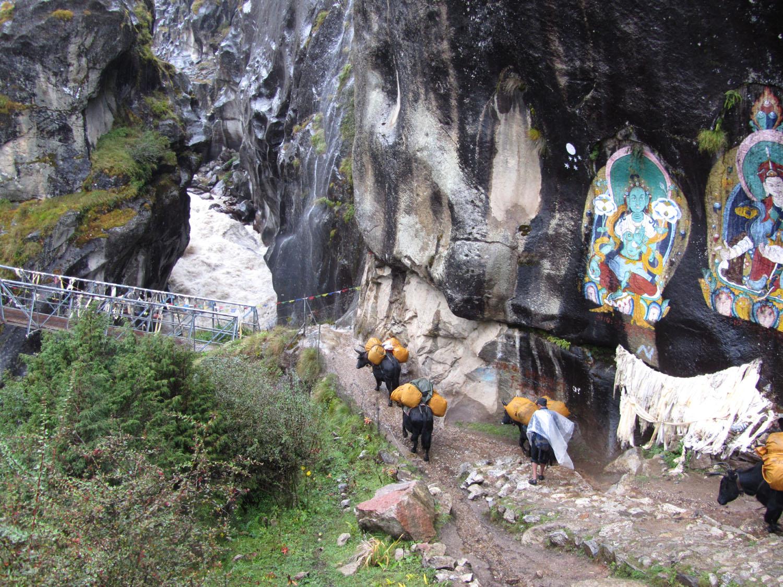 Nepal-Everest-Region-Trek-Day-06-Roaring-River
