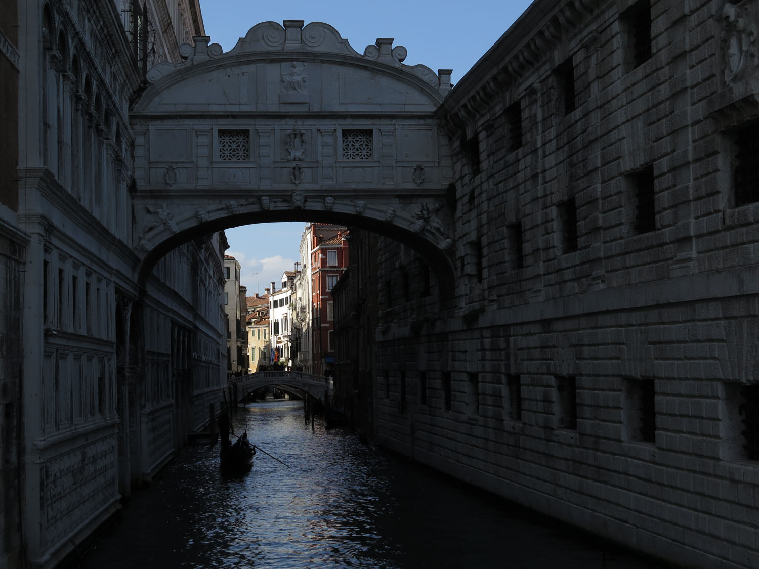 Italy-Venice-Doges-Palace-Bridge-Of-Sighs