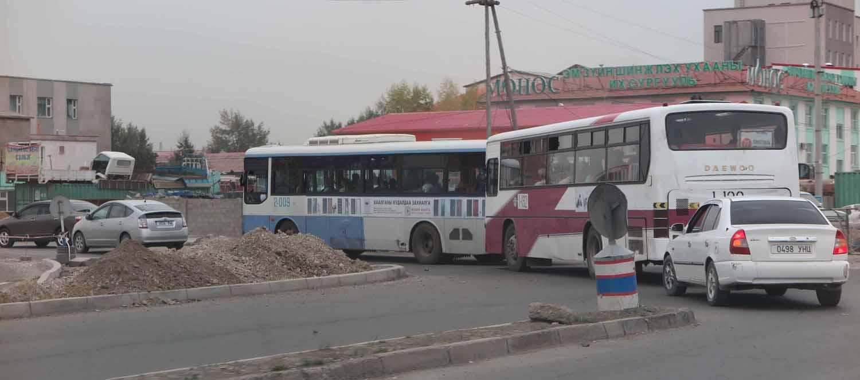 Mongolia-Ulanbator-Street-Scenes-Buses