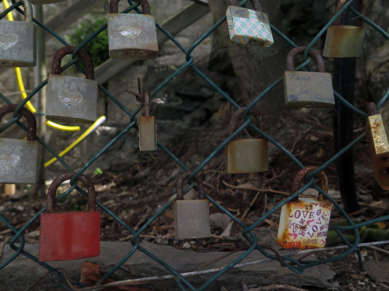 Italy-Cinque-Terre-Street-Scenes-Love-Locks