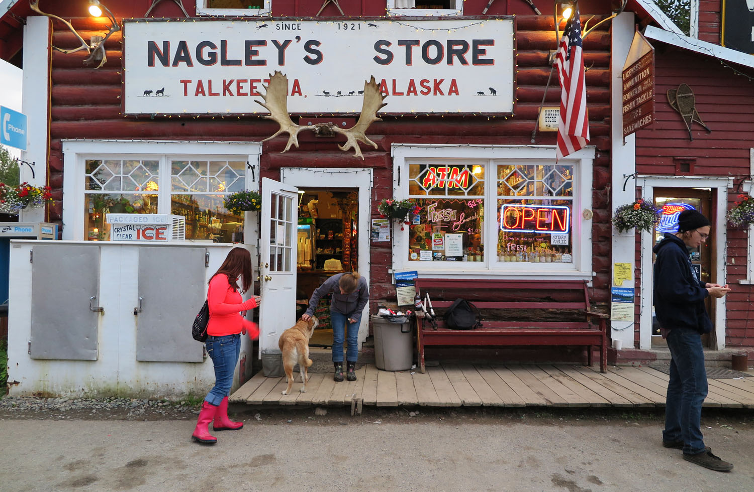 Alaska-Talkeetna-General-Store