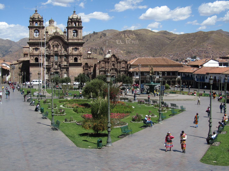 Peru-Cusco-Plaza-De-Armas-Day