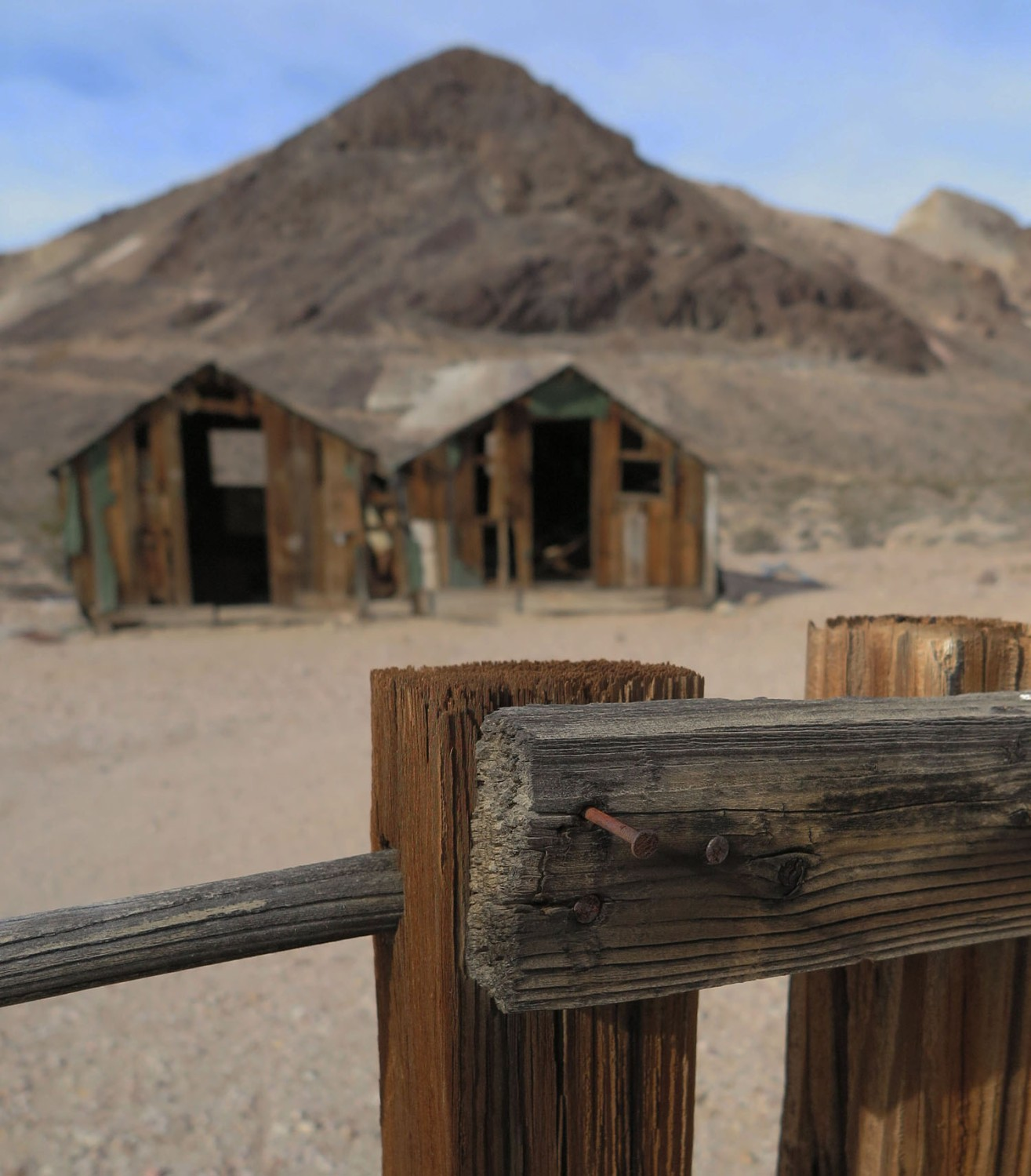 Death-Valley-Rhyolite-Shacks